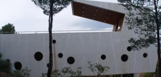 Turismo arquitectónico moderno en La Nucia (Alicante)