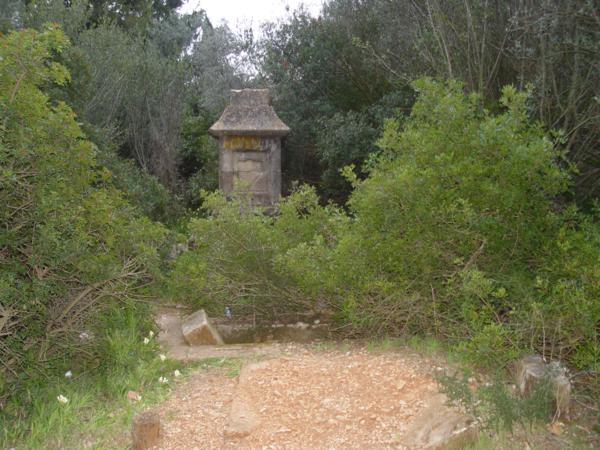 Monolito de la familia Rankin en Cementerio Ingles de Denia_600x450