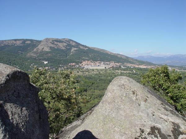 Vista sin ampliación de El Monasterio del Escorial_600x450