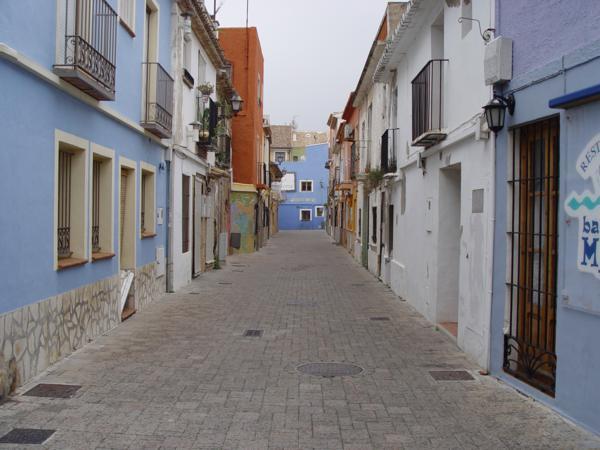 Calle de Bitibau desde el Carreró del Malcriat (Denia)_600x450
