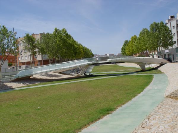 El Puente del Beso (Pilar de la Horadada) vista general Rambla_600x450