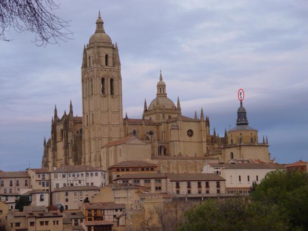 Vista trasera de la Catedral de Segovia_600x450