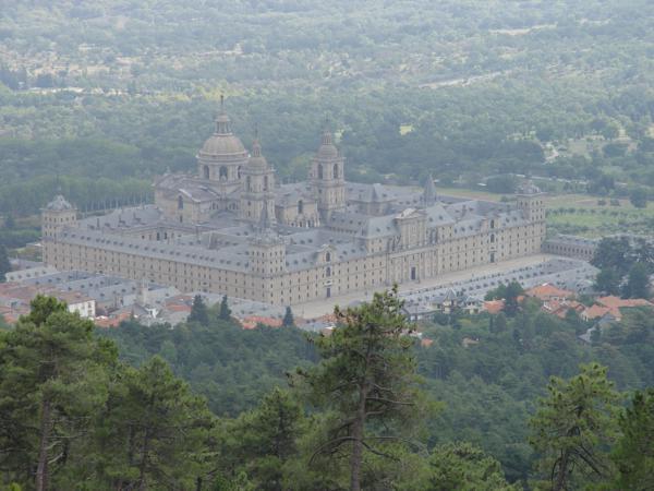 Vista de El Monasterio del Escorial desde el Arboreto Luis Ceballos_600x450