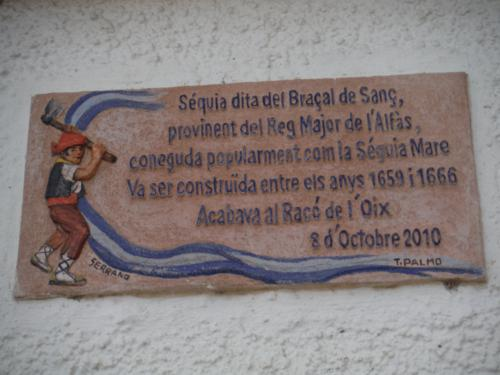 Cartel de la Sèquia Mare en el lateral del Mercadillo El Cisne_500x375
