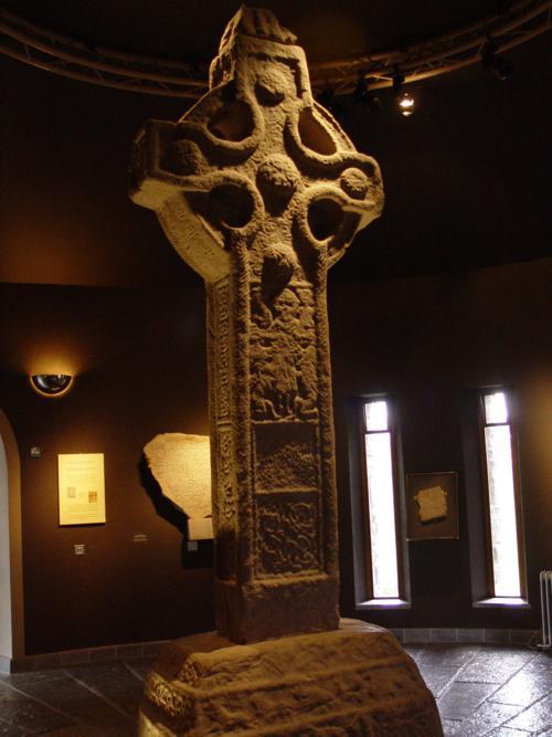 Cruz del Sur, Monasterio de Clonmacnoise (Irlanda)_500x667