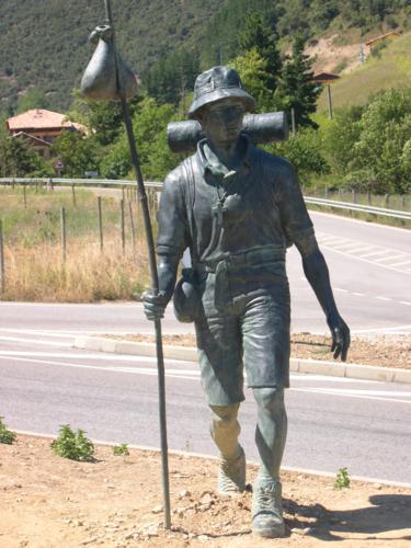 Monumento al Peregrino en Potes_375x500