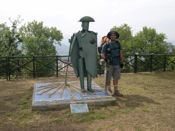 Monumento al peregrino en Tineo_600x450