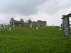Parte del Monasterio de Clonmacnoise (Irlanda)_243x182