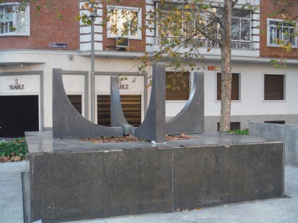Plaza-Escultura de Gustavo Torner_600x450
