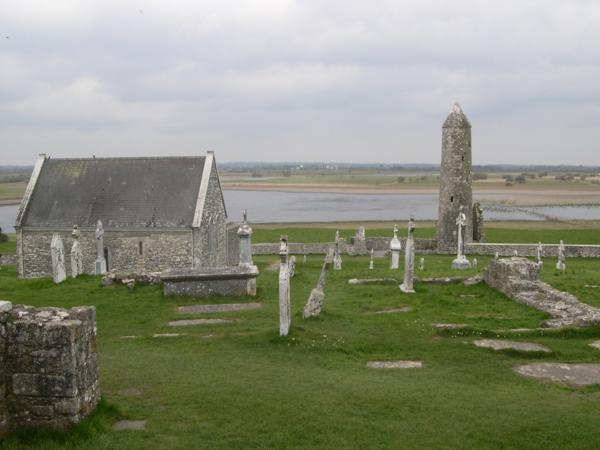 Templo de Connor. Monasterio de Clonmacnoise (Irlanda)_600x450