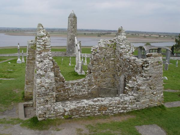 Templo de San Cieran, Monasterio de Clonmacnoise (Irlanda)_600x450
