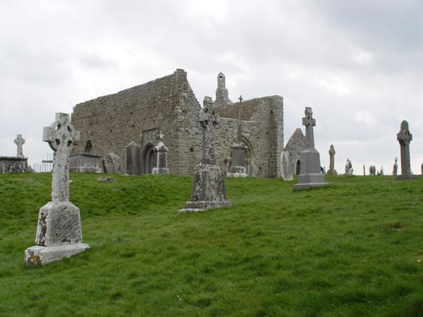Vista general de la Catedral, Monasterio de Clonmacnoise (Irlanda)_600x450