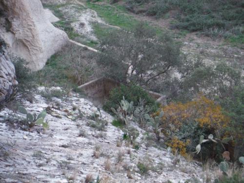 Balsa de riego en el aledaño del río Girona_500x375
