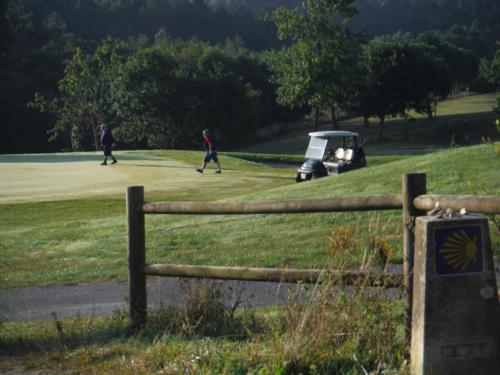 Campo de golf que bordearemos en nuestro periplo. De Pontedeume a Betanzos