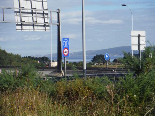 El camino pasa muy cerca de la Autopista. De Pontedeume a Betanzos