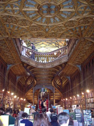 Escalera de la Librería Lello (Oporto)