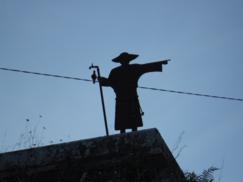 Estatua de Peregrino a la salida de Betanzos. De Betanzos a Hospital de Bruma