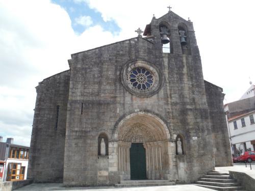 Portada principal de la Iglesia de Santa Maria Azogue (Betanzos). De Pontedeume a Betanzos
