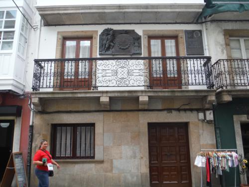 Camino de Santiago inglés.  Rua María, 136, Ferrol (casa donde naceron los hermanos Franco)