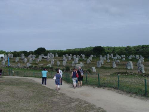 Descripción de los Alineamientos megalíticos de Carnac en la Bretaña Francesa